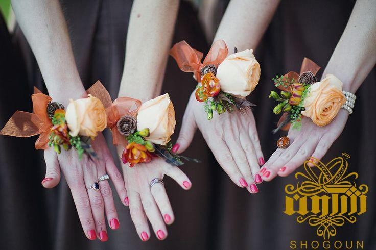 خرید حلقه گل و دستبند